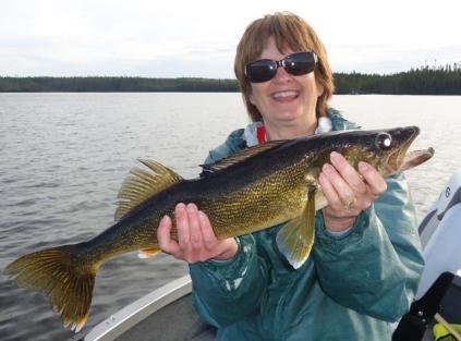 Jackie Hayden 25.5 inch walleye