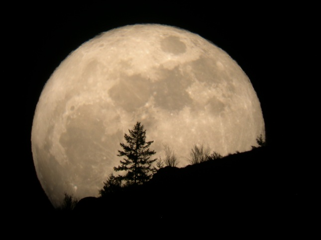 super-moon-2011-tim-mccord-entiat-wash